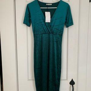 NWT Green velvet Zara dress